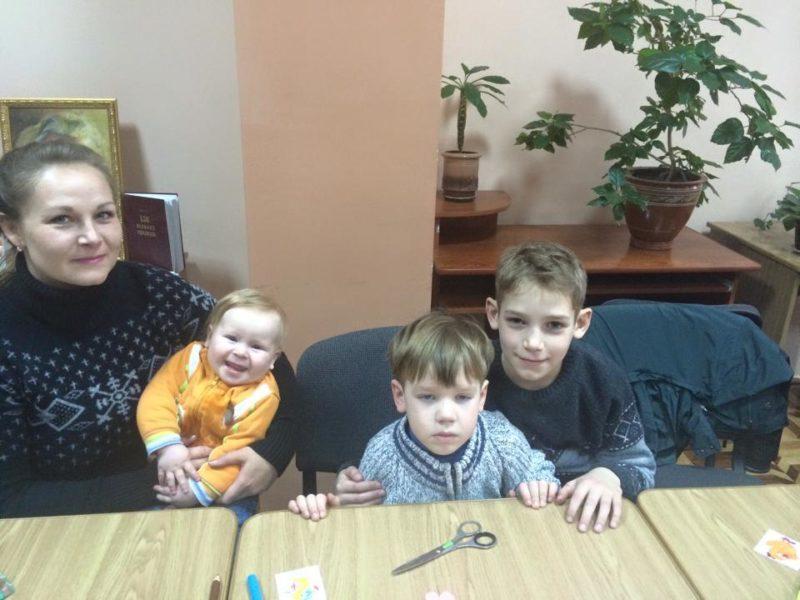Франківців просять допомогти біженці, яка потрапила із дітьми в лікарню