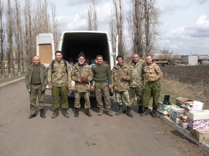 Долинські волонтери відвезли військовим у зону АТО бус