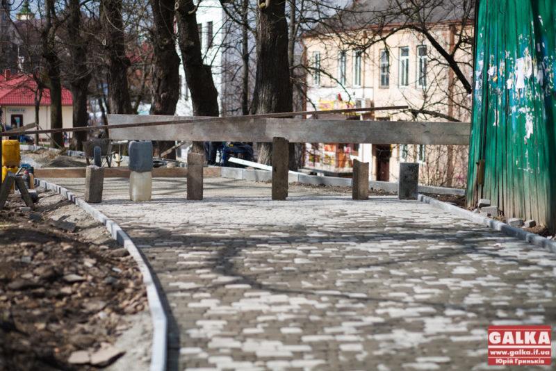 Бруківка, доріжка, Палац Потоцьких, Вали-4832
