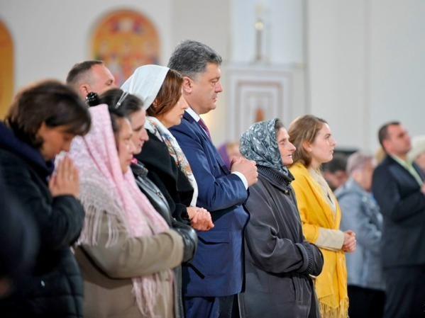 У Великодню ніч Порошенко молитиметься за майбутнє України