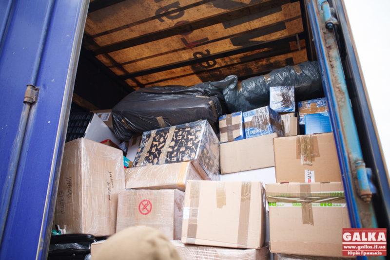 Українським волонтерам закордонні благодійники обіцяють від 400 до 1200 тонн гуманітарної допомоги щомісяця, – Островський
