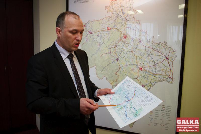 Односельчани головного шляховика Прикарпаття отримали 121 мільйон на дороги