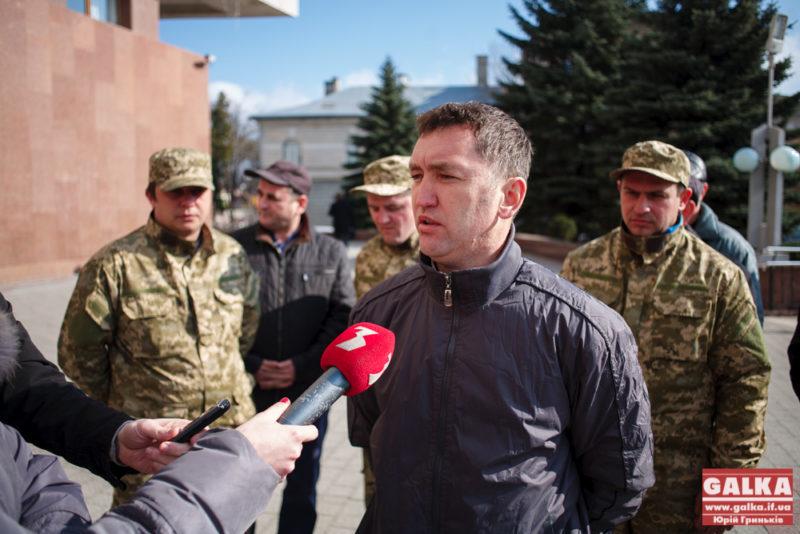 Екс-голову Рожнятівської РДА та активістів Самооборони району масово мобілізовують
