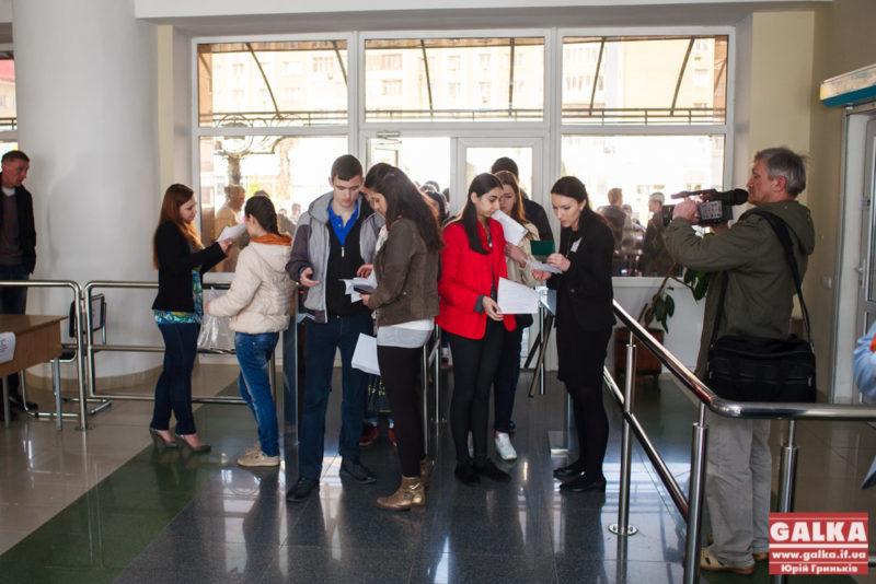 Десять абітурієнтів з Івано-Франківщини здали ЗНО на максимальну кількість балів