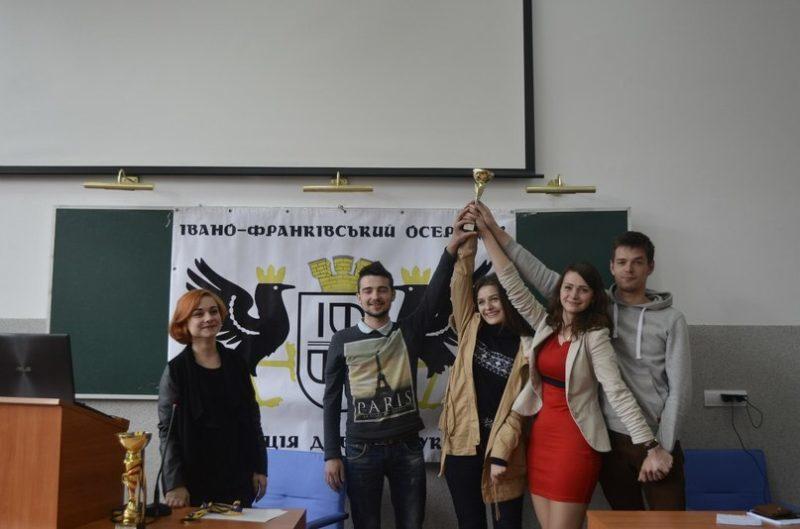 У Франківську провели дебатний турнір для новачків (ФОТОФАКТ)