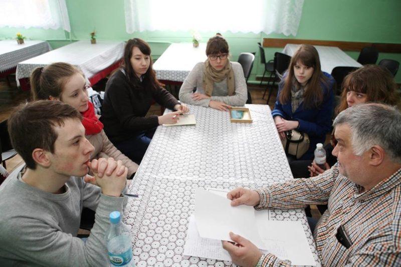 Французькі студенти допомогли зробити ремонт у санаторії в Єзуполі