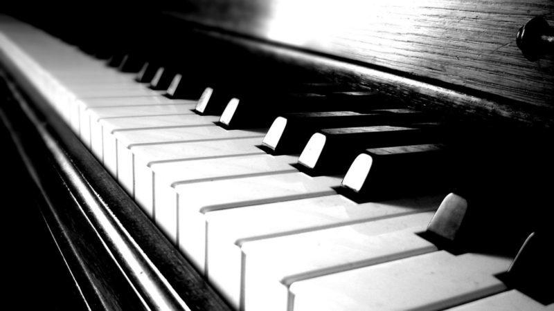 Франківка, яка продавала піаніно в Інтернеті, постраждала від рук шахрая