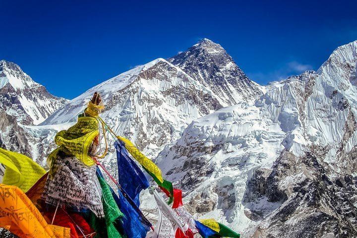 Альпіністи зняли на камеру як лавина накрила табір (ВІДЕО)