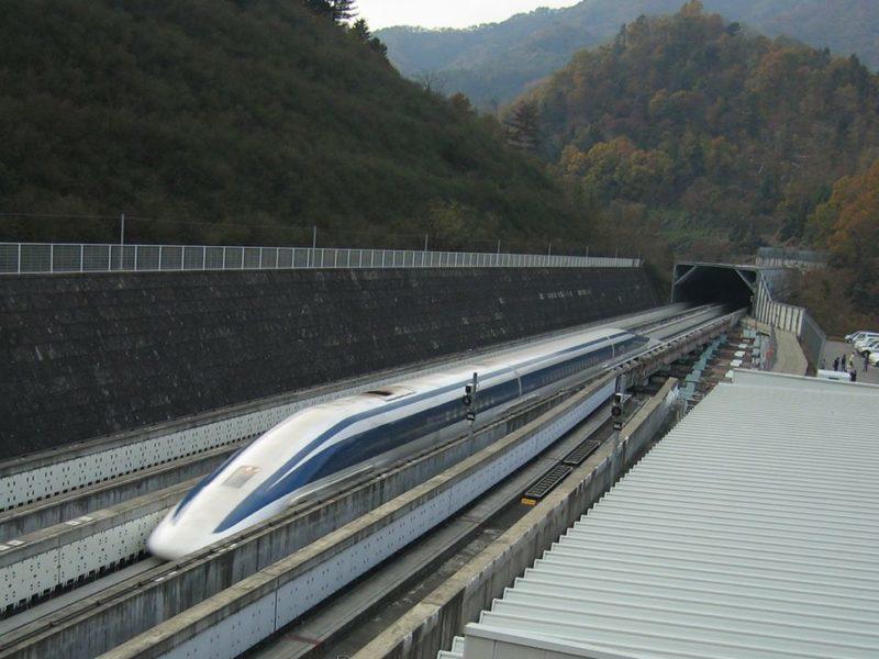 У Японії розігнали потяг до рекордних 630 км/год (ФОТОФАКТ)