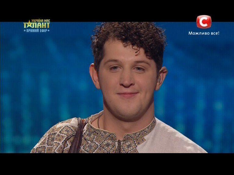 """Прикарпатський цимбаліст, відомий з шоу """"Україна має талант"""", провів серію виступів у зоні АТО (ВІДЕО)"""