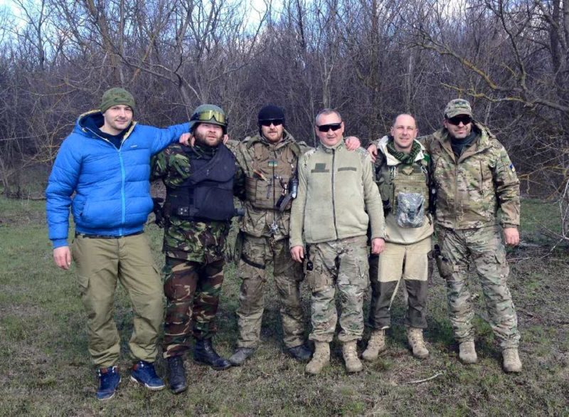 Прикарпатські волонтери відвезли паски у зону АТО – там зустрілися з Маршалом та Бірюковим (ФОТО)