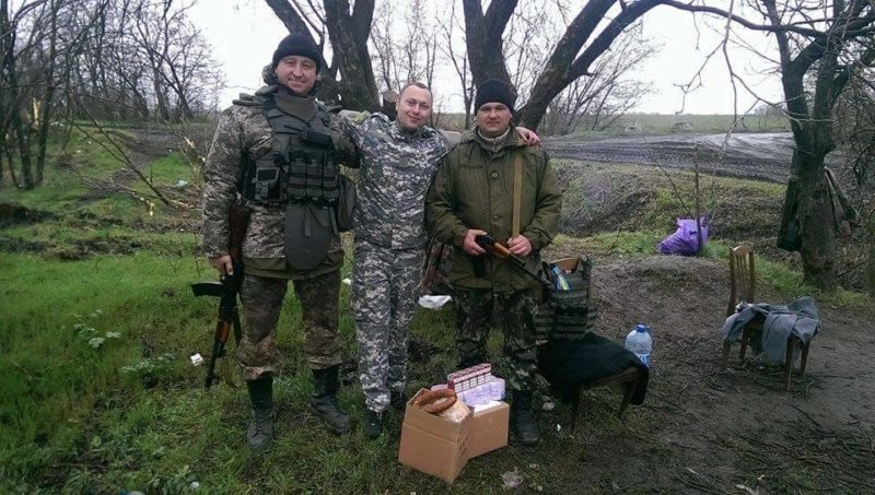 Прикарпатські волонтери привезли допомогу в Піски (ФОТО+ВІДЕО)