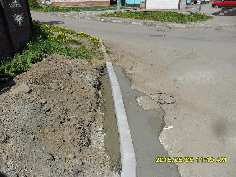 На Пасічній розпочато роботи із влаштування тротуарів (ФОТО)