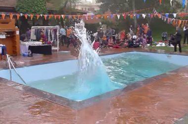 Очевидець зняв як вода вихлюпувалася з басейну під час землетрусу в Непалі