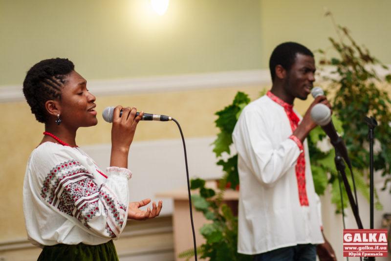 Іноземні студенти співатимуть українських пісень, щоб зібрати кошти на лікування п'ятирічному хлопчику