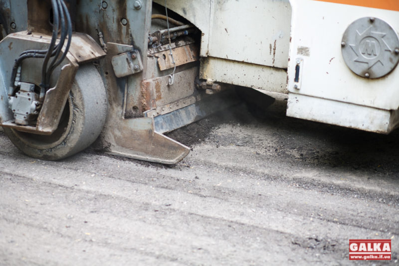 Дорогу, яку перекривали люди у Надвірній, обіцяють почати ремонтувати вже з понеділка
