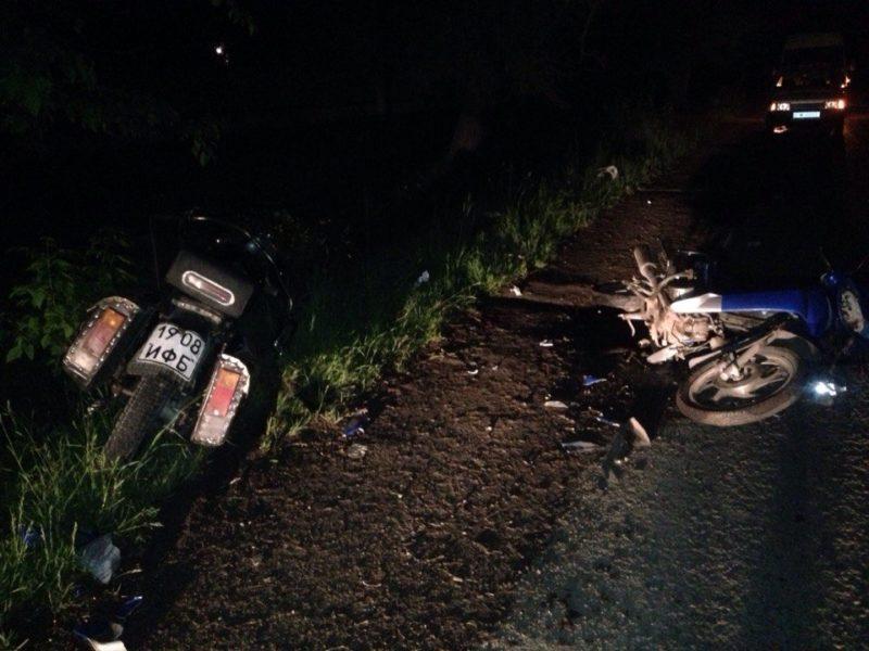 На Прикарпатті зіткнулись мотоцикл та скутер (ФОТО)