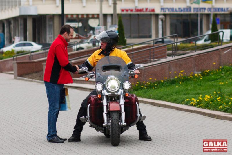 Екс-міністр АПК в ході доброчинного мотопробігу приїхав у Івано-Франківськ (ФОТО)