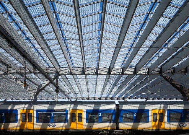 Укрзалізниця переходить на використання сонячної енергії