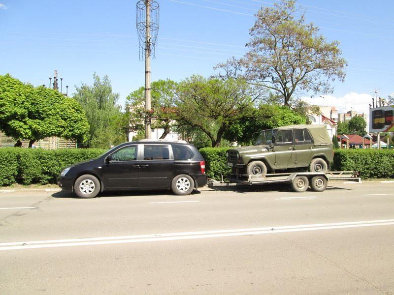 Калуські волонтери відправили машину в зону АТО (ФОТО)