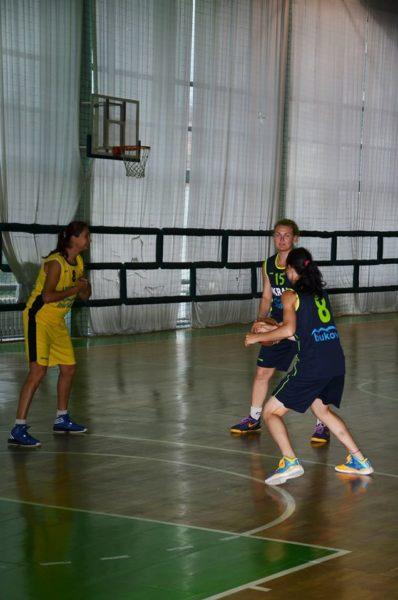 Спортсменки з Івано-Франківська боротимуться за першість у Баку в складі Олімпійської жіночої збірної зі стріт-болу  (ФОТО)