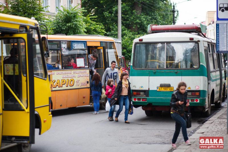 Маршрутка, пижик, бусік, автобус, зупинка-9364