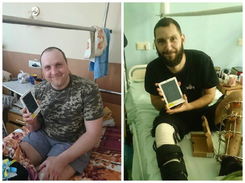 Франківські волонтери передали електронні книги для поранених бійців АТО (ФОТО)