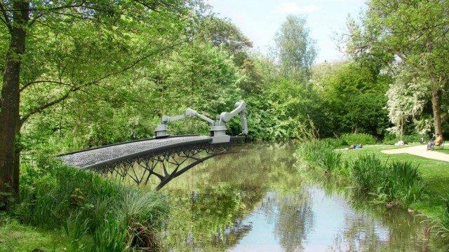 В Амстердамі надрукують на 3D-принтері міст через річку (ВІДЕО)