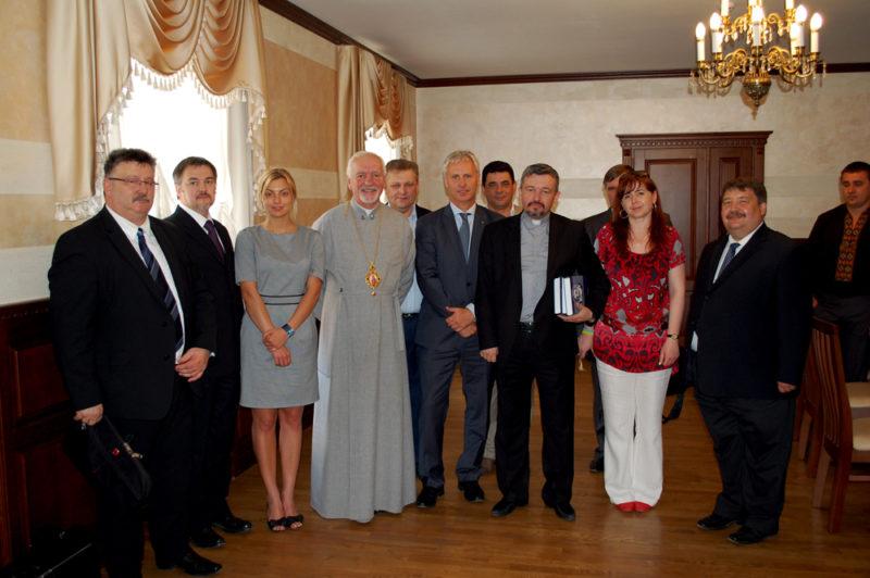 Угорські урядовці пообіцяли оздоровити у своїй країні дітей, які співають у церковних хорах Прикарпаття
