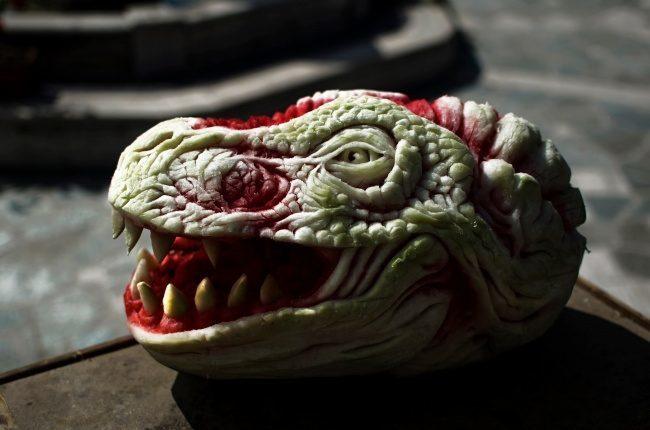 Скульптор з Італії створює кавунові шедеври (ФОТО, ВІДЕО)