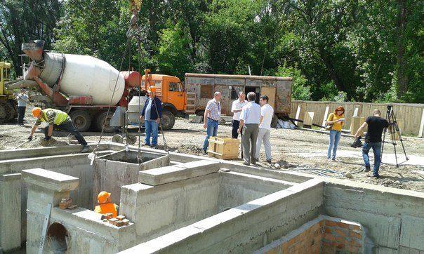 На Пасічній будують нову насосну станцію (ФОТО)