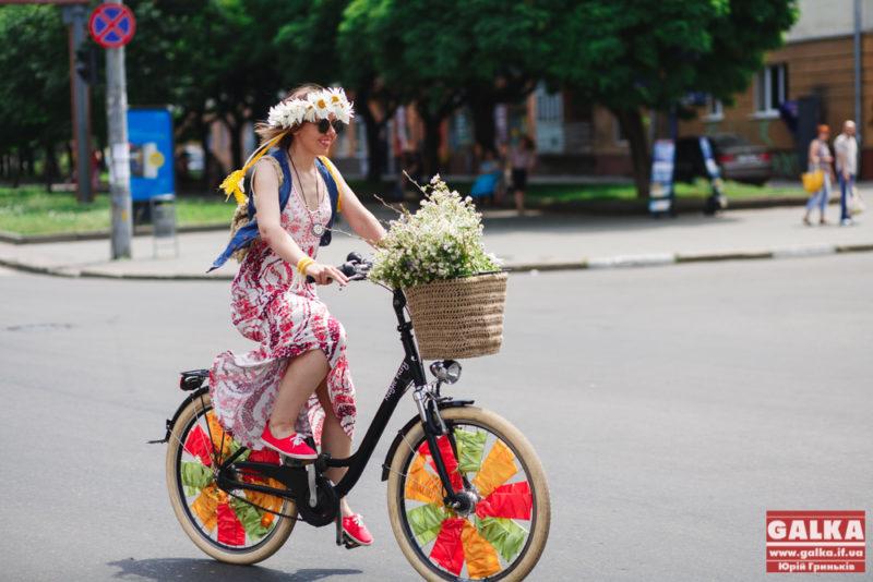 Велопарад дівчат, велосипеди, ровер, бохо, парад-1187