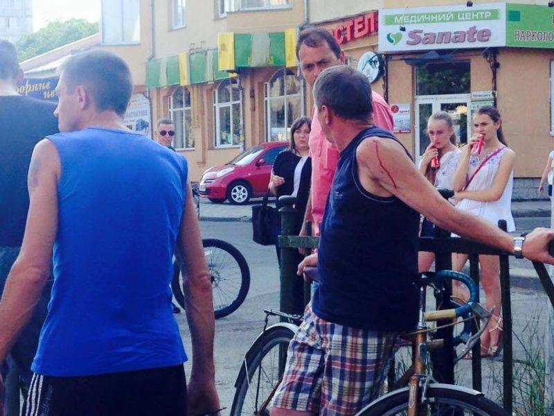 Нетверезий велосипедист вчинив ДТП поблизу вокзалу (ФОТО)