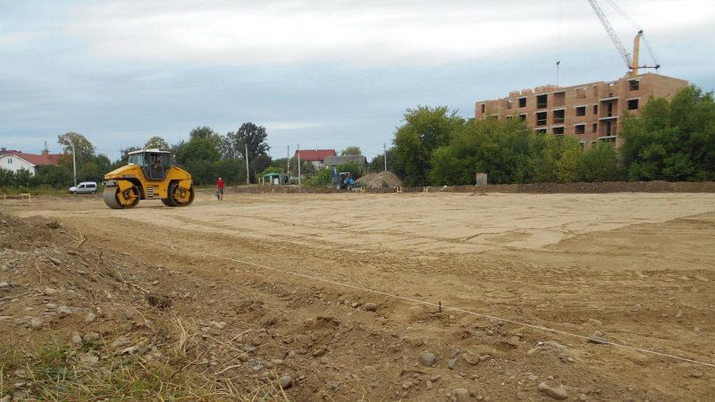 На Пасічній будують новий спортивний майданчик (ФОТО)
