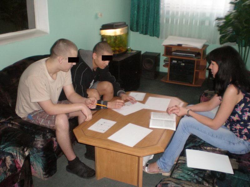 Неповнолітніх ув'язнених навчали тонкощам правильного спілкуванню