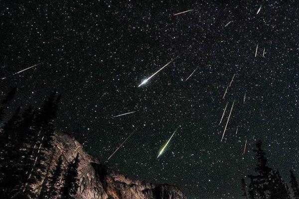 Американському поліцейському вдалося зняти падіння метеорита