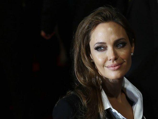 Джолі госпіталізована в критичному стані (ФОТО)