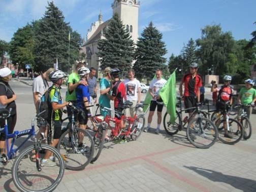 Велосипедисти із вадами зору побували в Рогатині (ФОТО)