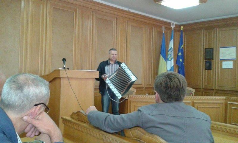 У Франківську презентували технологію обігріву будинків, яка замінить котельню та чотирьох кочегарів