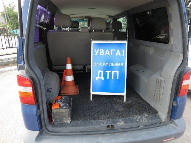 На Тисменицькій зіткнулися дві машини, постраждала пасажирка