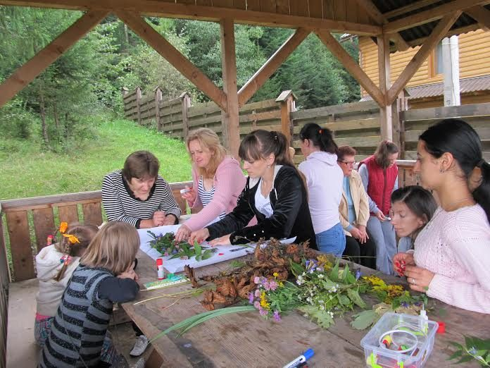 Молодь з особливими потребами показувала мистецькі вміння в оздоровчому таборі (ФОТО)