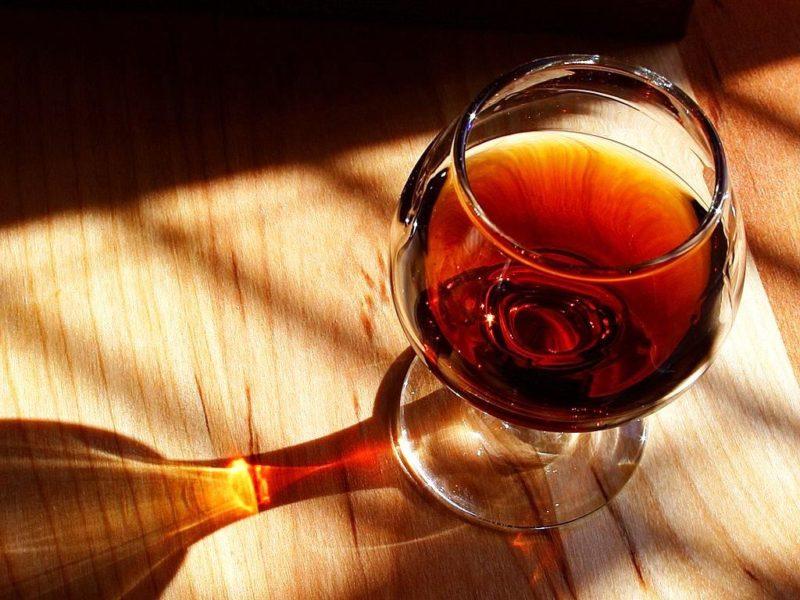 Мерія безуспішно намагалася спонукати податкову перевірити торгівлю підакцизним алкоголем (ДОКУМЕНТ)