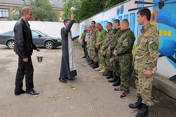 Десяток прикарпатських оперативників вирушили в зону АТО (ФОТО)