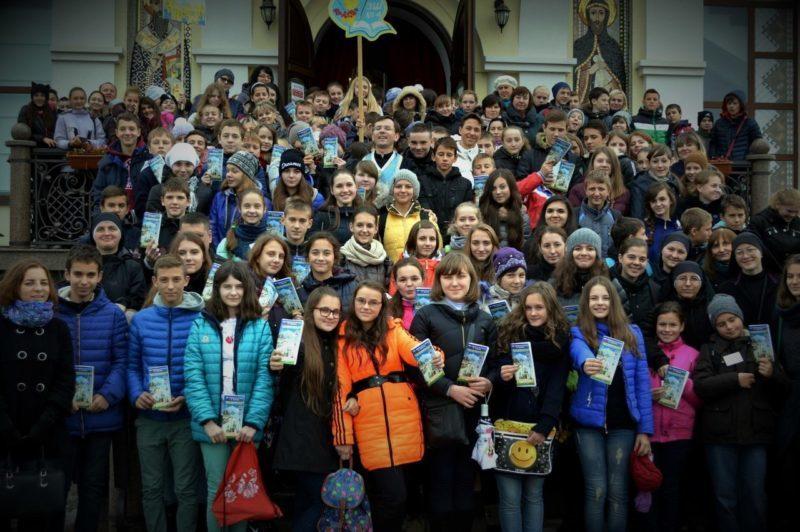 Триста восьмикласників Франківська взяли участь у прощі в Крихівцях