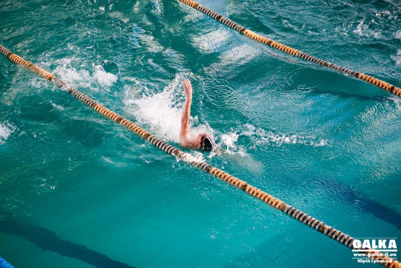 У прикарпатській дитячій юнацько-спортивній школі відкрили басейн