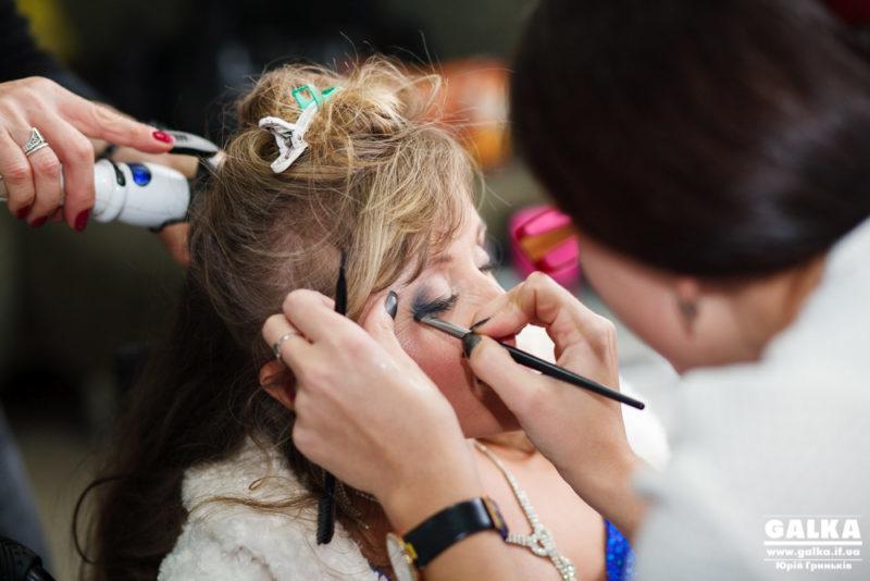 """""""Жіночність без границь"""" – у Франківську дівчатам з обмеженими можливостями нагадали, що вони красиві (ФОТО)"""