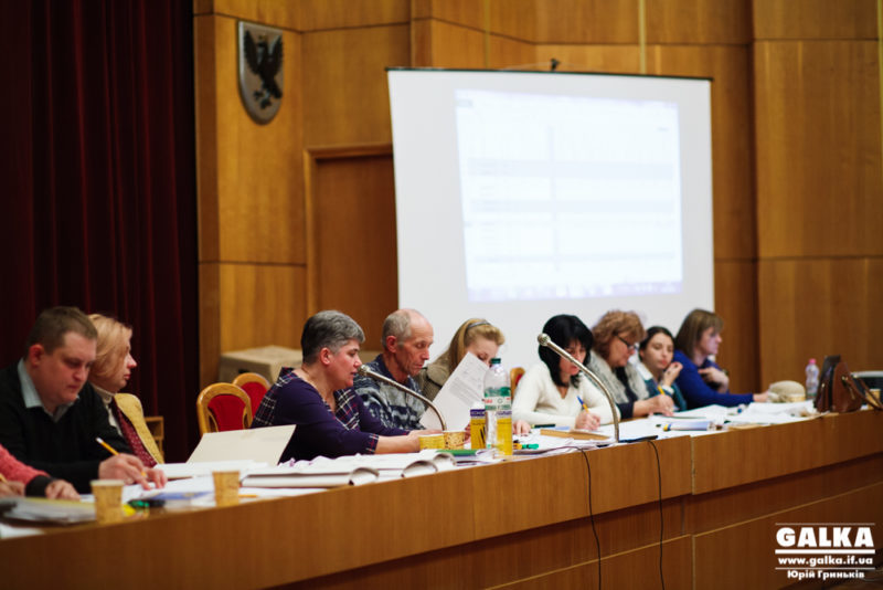 Депутати міської ради та новий мер складуть присягу на Романа, обласної – на Введення