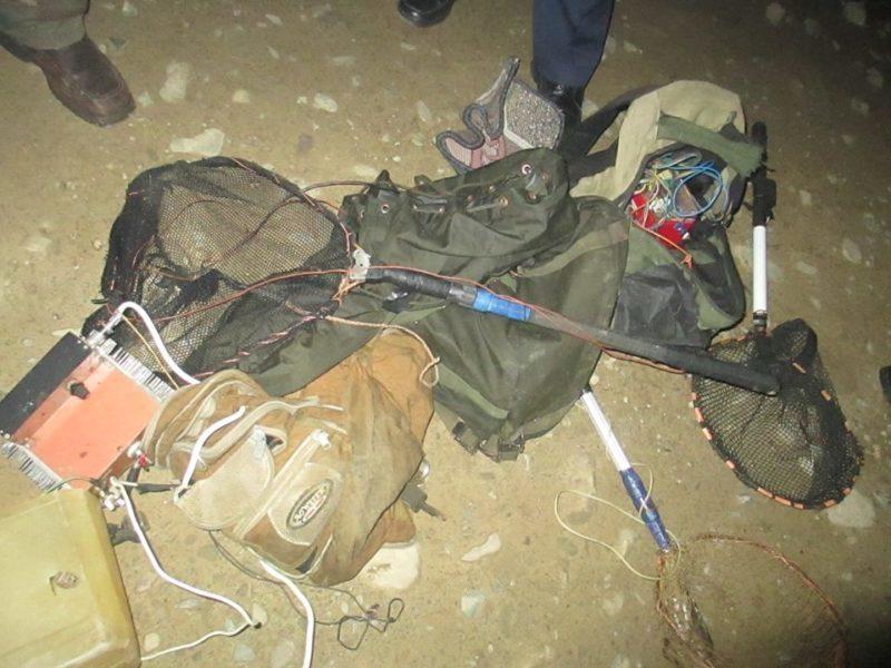 У Карпатах в період нересту спіймали чергових рибних браконьєрів з електровудками (ФОТО)