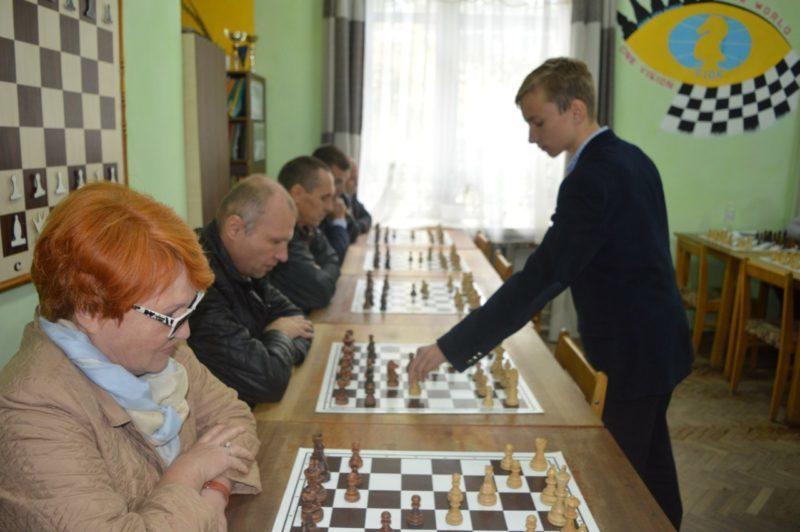 До Франківська приїхали спортивні чиновники з 17 міст України, аби обмінятися досвідом