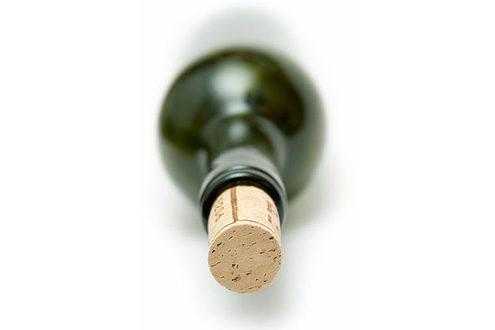 Коломиянка викинула через вікно пляшку з-під вина й травмувала шестирічного хлопчика